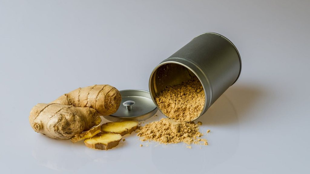 fresh ginger and dried, ground ginger