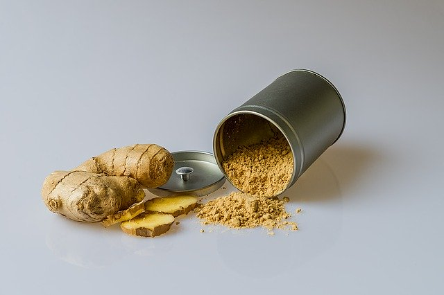 fresh and ground ginger root